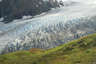 An impressive stack of crevasses.